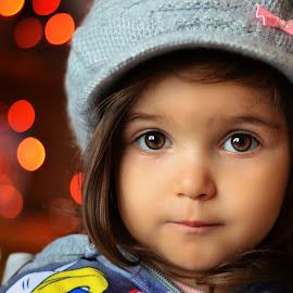 lights by Julian Markov - Babies & Children Child Portraits