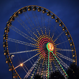 Fun In The Evening by Marco Bertamé - News & Events Entertainment ( funfair, lights, schueberfouer, night, evening, luxembourg, ferris wheel,  )