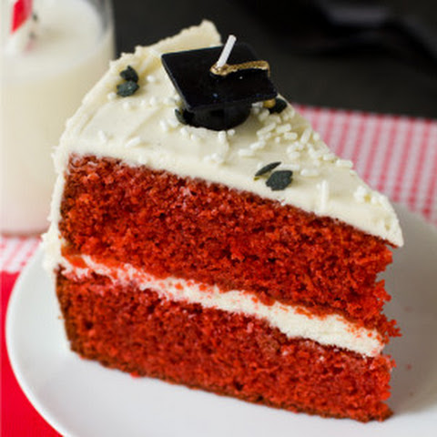 Red Velvet Cake with Vanilla Bean Cream Cheese Frosting