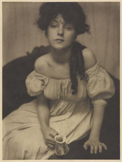 Portrait of Evelyn Nesbit by Gertrude Käsebier