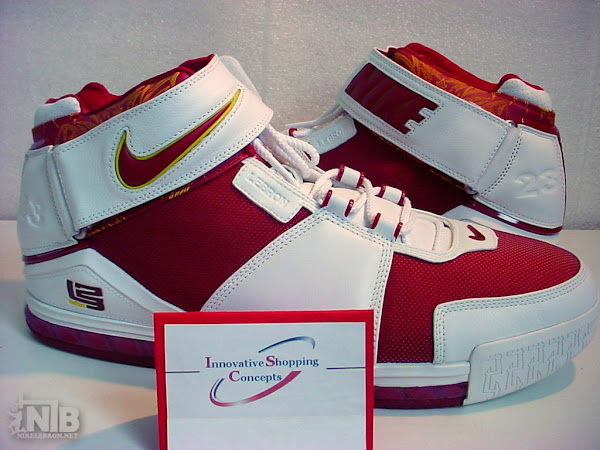 strikeThreestrike Four versions of the TripleDouble Zoom LeBron II PE