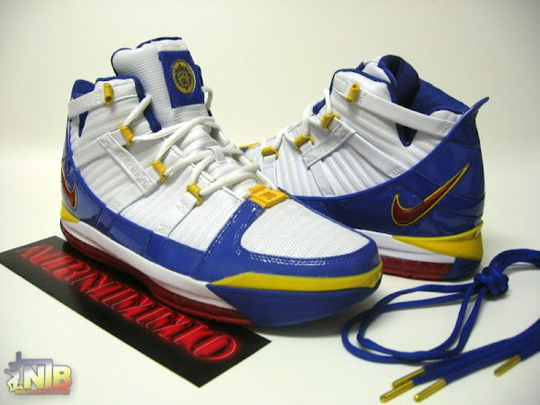 Superman Nike Zoom LeBron III 8216MVP8217 Edition First Pics