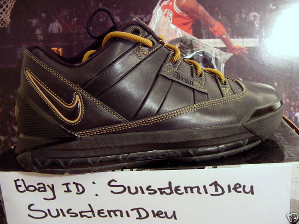 Unreleased Nike Zoom LeBron III Low BlackGold Sample
