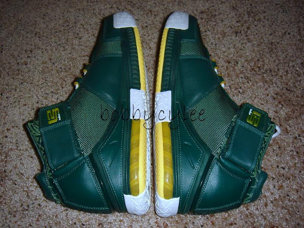 Very Rare Nike Zoom LeBron II Oregon Home vs Away PE