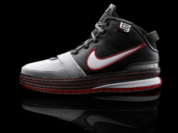 This is How the Nike Zoom LeBron VI Looks Like Up Close