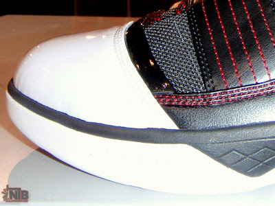 nike zoom soldier 3 gr black white red 1 02 Nike Zoom LeBron Soldier III Black White Red Real Photos