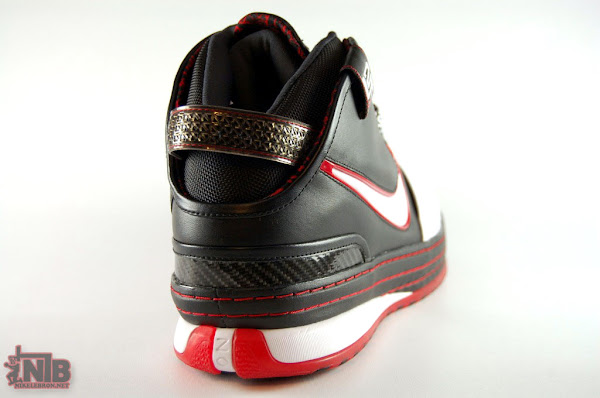 Upcoming 346526101 WhiteBlackVarsity Red ZL6 Preview
