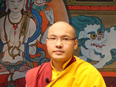 coeur - Extrait d'enseignement: Le Coeur du Bouddhisme par SS le 17ème Karmapa DSC00445