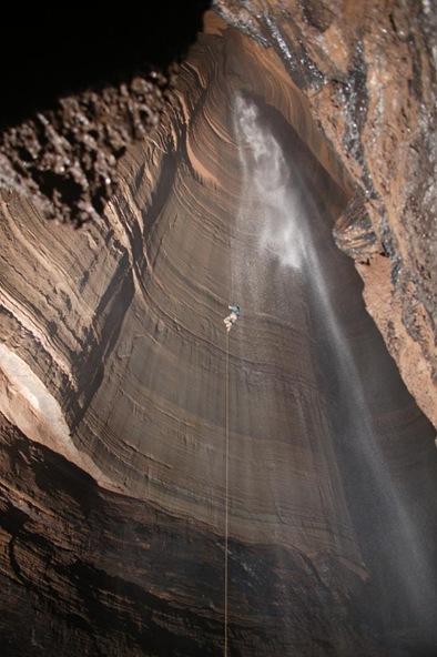 ellisons-cave2