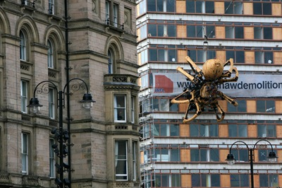 Giant Mechanical Spider Appears Liverpool gnE4VF4ATBol