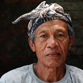 Balineese by Azman Ismail - People Portraits of Men ( balineese, bali, face )