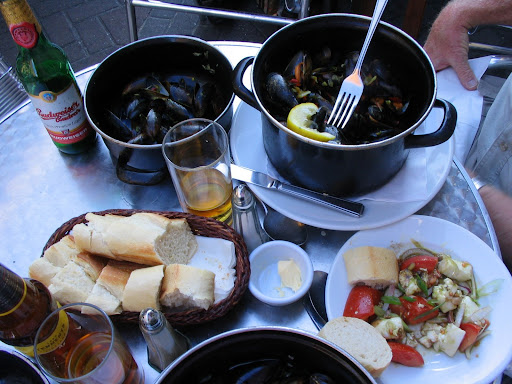 Fresh mussels, Scotland. Eat regularly! Top 10 tips for keeping your energy up while traveling