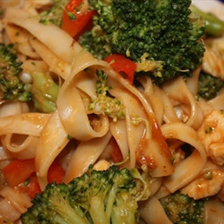 Pasta- Chicken Noodles with Broccoli Peanut Sauce