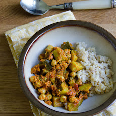 Zucchini and Chickpea Curry