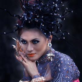 May by Rui Jsedda - People Fashion