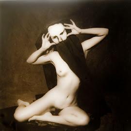 nude masked2 by Jim Oakes - Nudes & Boudoir Artistic Nude ( studio, blackandwhite, nude, mask )