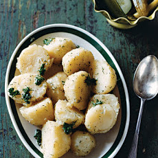 Boiled Potatoes with Parsley and Dill