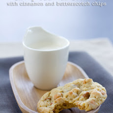 Chewy Oatmeal Cookies with Cinnamon and Butterscotch Chips