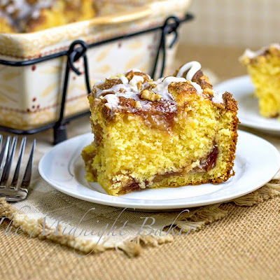 Apple Cinnamon Breakfast Cake
