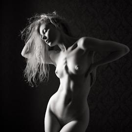Lulu - art nude by Barrie Spence - Nudes & Boudoir Artistic Nude ( models, art nude, blonde, nude, pavilion photographic studio, teaching, model day, blonde hair, lulu lockhart, female nude, studio nude )