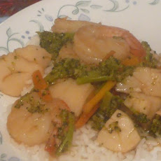 Fast and Easy Scallop Stir Fry for One