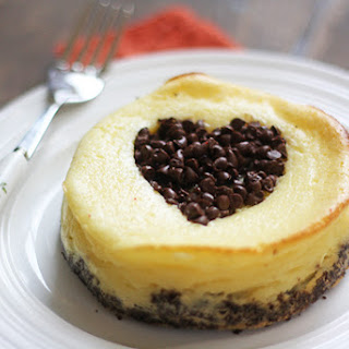 Individual Heart Cheesecakes With A Chocolate Heart Baked Right In!