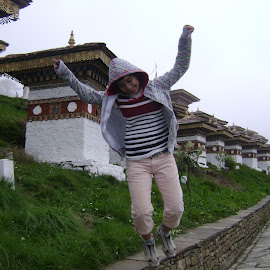 PLAYFULL by Sudipto Hazra - Novices Only Street & Candid ( playing, girl, jumping, enjoying, buildings, chorten )