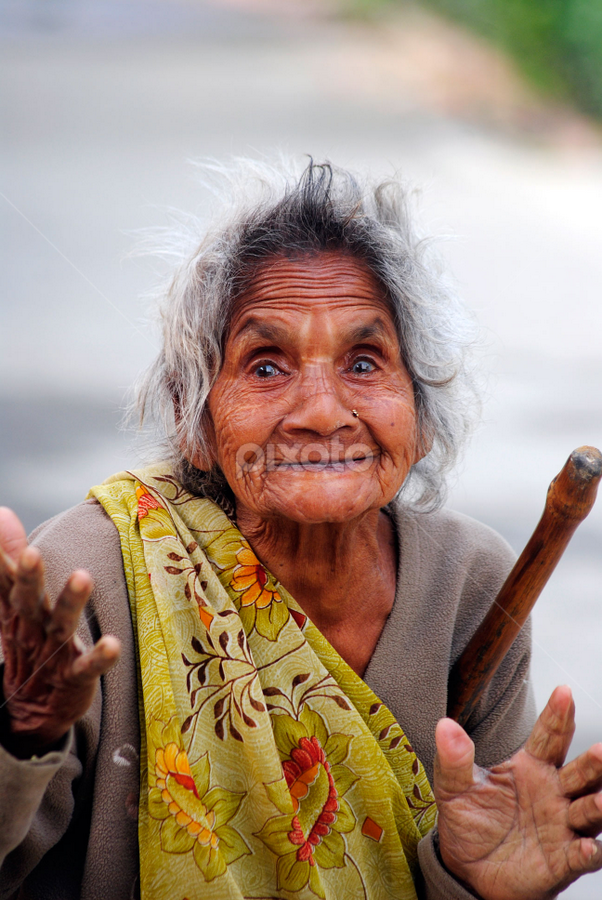the golden smile by Ritesh RoyChowdhury - People Portraits of Women ( potrait, old, lady, aged, people, smile )
