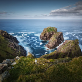 Stac an Dùnain by Pietro Bevilacqua - Landscapes Waterscapes ( clouds, exposure, scotland, grass, cape, waves, wrath, sea, ocean, north, durness, atlantic, long, an, stac, dùnain, rocks )
