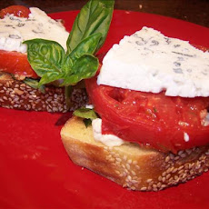 Smoked Tomato Sandwiches With Goat Cheese and Basil