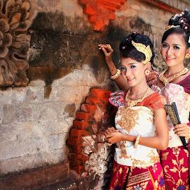 Payas Bali by Goes Ad-x - People Fashion