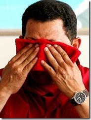 CHAVEZ CON TRAPO ROJO EN LA CARA