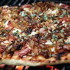 Caramelized Onion Pizza With Gorgonzola, Bacon and Arugula