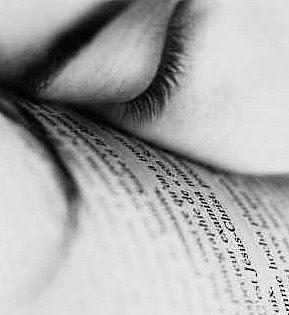 livro,pensamentos,palavras,olhos fechados,refletindo,