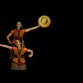 The Hat Dancers by Diemas Aji - People Musicians & Entertainers ( stage, people )