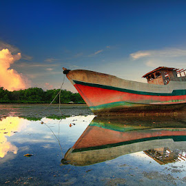 Refleksi Pagi by Denny Iswanto - Transportation Boats