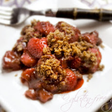 Strawberry Rhubarb Crisp Recipe with Balsamic Vinegar