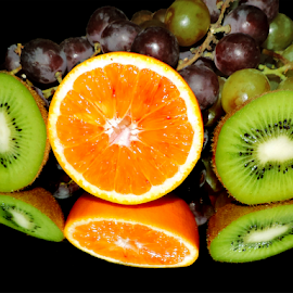 kiwi,orange and grape by LADOCKi Elvira - Food & Drink Fruits & Vegetables ( orange )