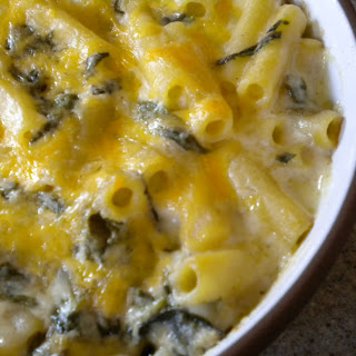 Lightly Cheddared Spinach Ricotta Mac And Cheese