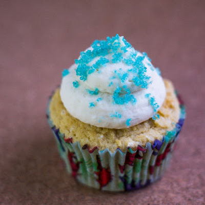 Low Carb Vanilla Cupcakes with Cream Cheese Frosting