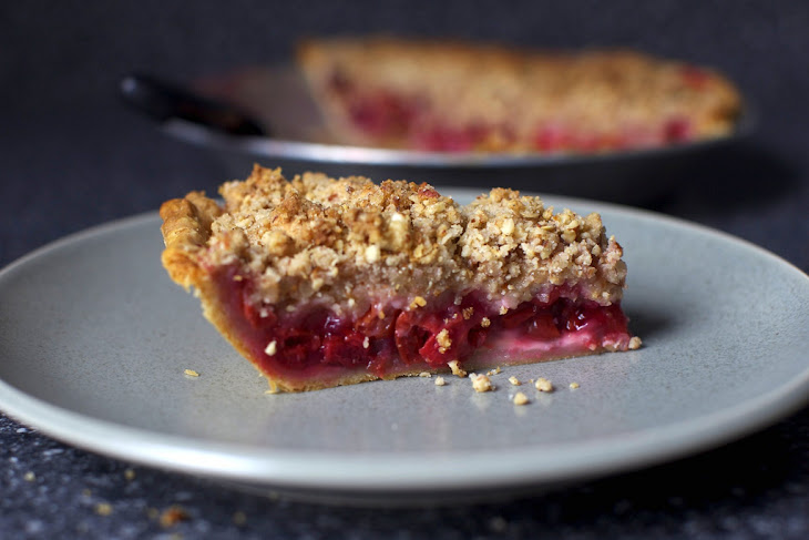 crumble gluten free raspberry blueberry and pistachio almond crumble ...