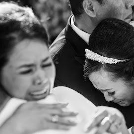 Moment In Time by Yansen Setiawan - Wedding Ceremony ( creative, moment, art, losangeles, illusion, cry, love, fineart, yansensetiawanphotography, prewedding, d800, wedding, lifestyle, photographer, la, yansensetiawan, nikon, yansen, engagement )