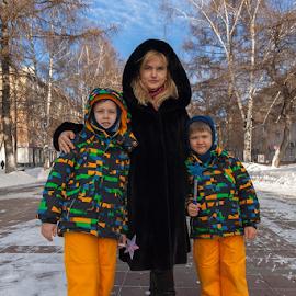 by Vadim Malinovskiy - People Family