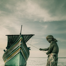 the boatman by Zaidy Ksx - People Portraits of Men ( fisherman, boat )