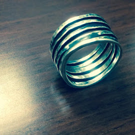 Ring Fade by Pauline Crouse - Instagram & Mobile iPhone ( object, artistic, jewelry )