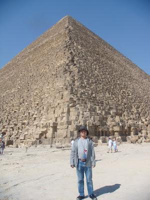 ギザの三大ピラミッド〜クフ王のピラミッド