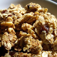 Cinnamon Walnut Granola