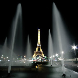 by Benjamin Boynton - Buildings & Architecture Statues & Monuments ( paris, fountain, eiffel )