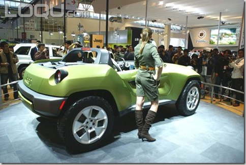 [Imagem] Jeep Renegade 2008 - Vista Lateral com a show girl
