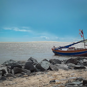 Carima Beach - MA, Brasil by Jamerson Rodrigues de Melo - Landscapes Beaches ( water, sand, sky, lifestyle, rock, beach, landscape, boat, rocks, brasil,  )